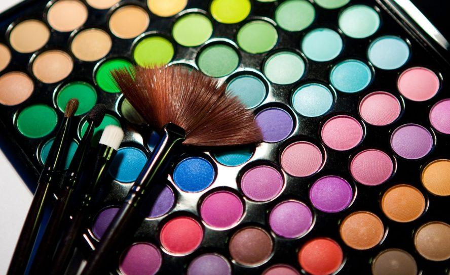 Lidschatten Paletten – unerlässlich in der Kosmetik