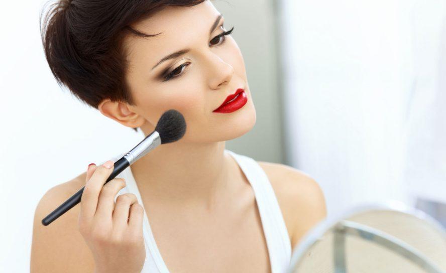 Mattierendes Make-Up