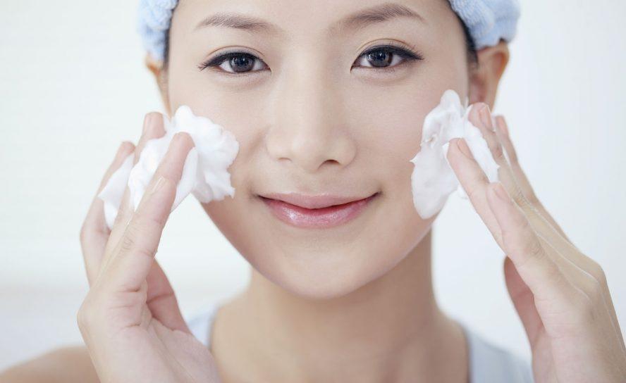 Reinigungsschaum für das Gesicht