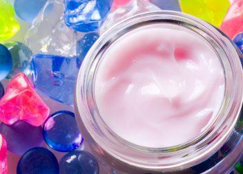 Trockene Haut stellt besondere Anforderungen an Pflegecremes