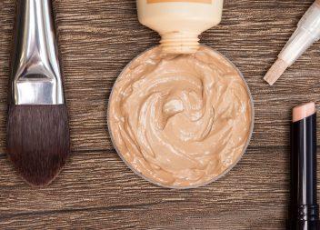 Was führt zu unreiner Haut und wie bekämpft man sie?